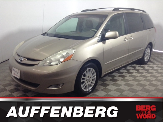 Pre Owned 2009 Toyota Sienna Xle